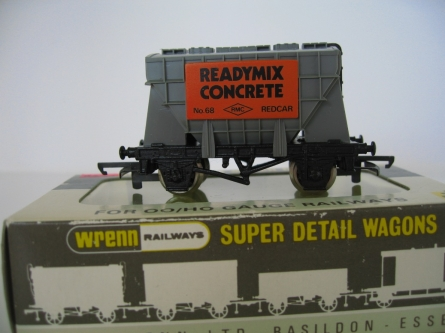 "Wrenn W.5092 ""Readymix Cement"" Wagon - Grey - Period 4"