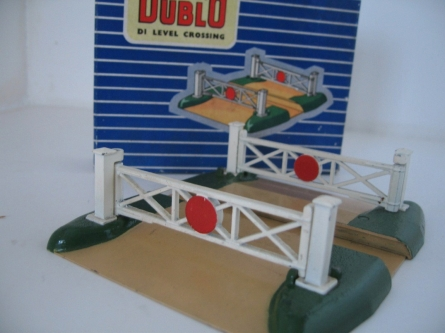 Hornby Dublo D1 Level Crossing - 2/3 Rail