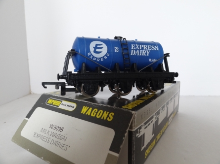 "Wrenn W.5095 ""Express Dairies"" Tanker Wagon - Blue - P4 RARE"