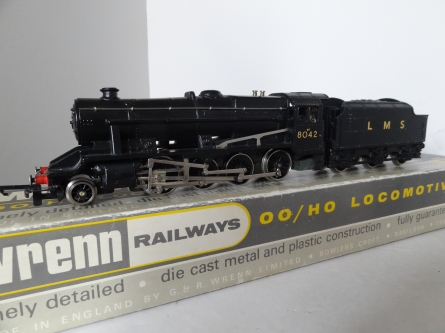 Wrenn W2225 8F Locomotive - LMS Black - 8042 - RARE P4 Issue