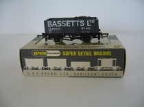 "Wrenn W5074 ""Bassetts Ltd"" Coal Wagon with Load"