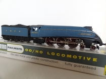 "Wrenn W.2210/AM2 5 Pole ""Golden Fleece"" A4 Locomotive - LNER Garter Blue - VERY RARE"