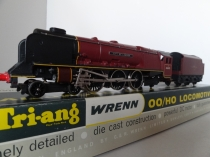"Triang/Wrenn No 2226 ""City of London"" Locomotive - BR Maroon - Period 2 Rare"
